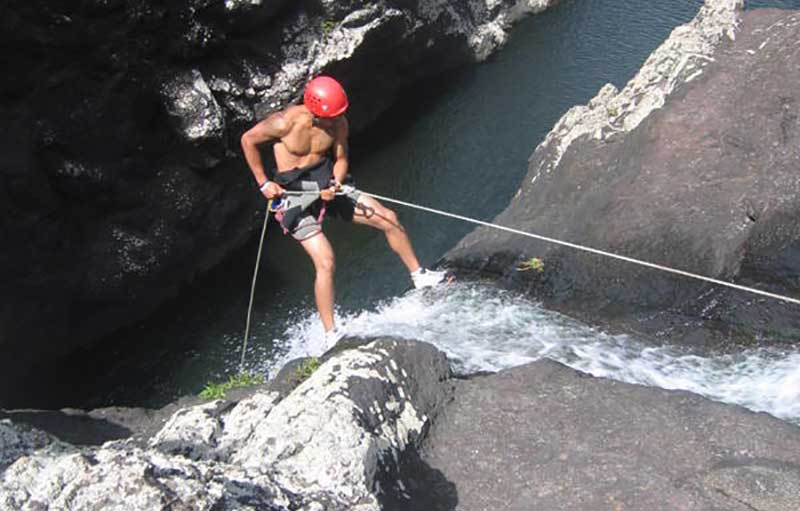 canyoning-and-abseiling